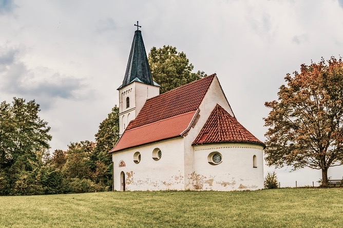 church-2800772_1280 2