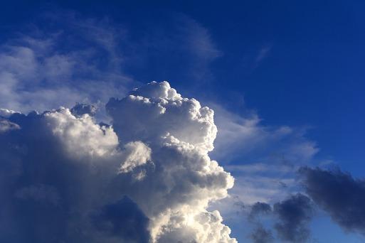 clouds-2535589_1920