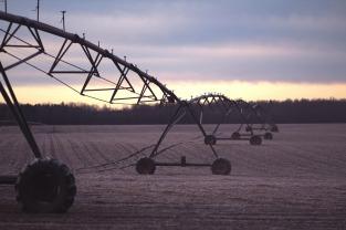 irrigation-1210072_1280